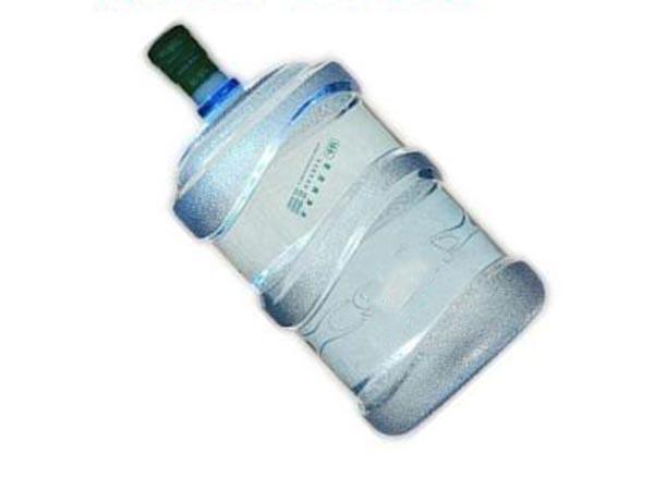 """夏日防""""体渴"""" 时刻备瓶矿物质水"""
