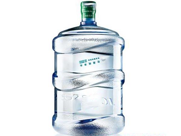 日常生活中六种水不能喝